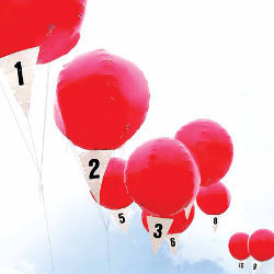 10 numbered red balloons
