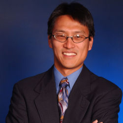 Virginia Tech Associate Professor Wu Feng