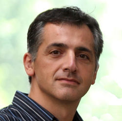 Northwestern University professor Fabian Bustamante