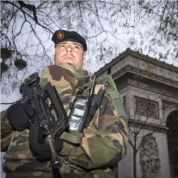 French soldier, Arc de Triomphe