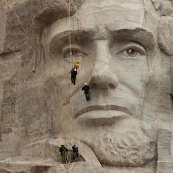team laser scanning Mount Rushmore