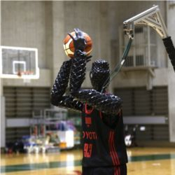 Toyota basketball robot Cue 3