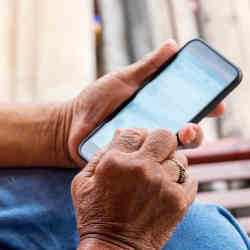 How one plays games on a smartphone can provide early indications of cognitive decline.