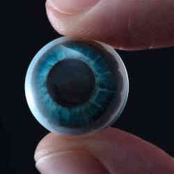 Tech Start-up Develops AR Contact Lenses